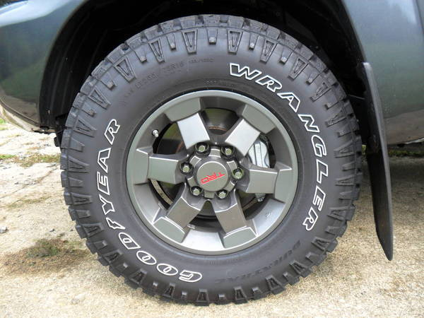 FJ SE Anthracite Grey Rims w/ DuraTracs