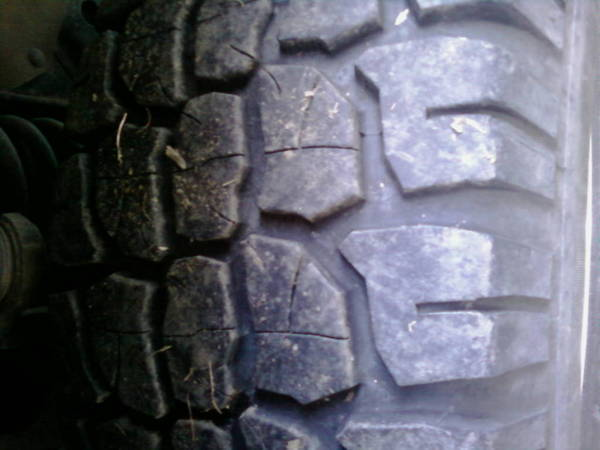 adventuro 2 a/t tread