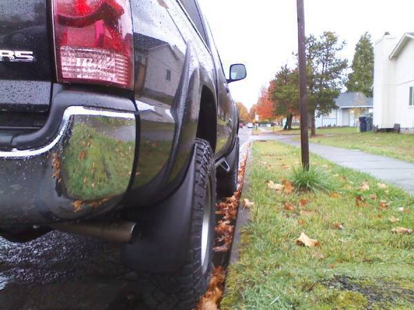 Husky Mud Flaps 05+ Tacoma Rear