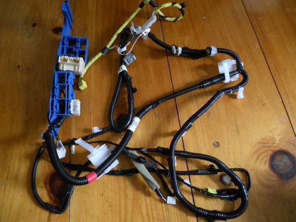 Floor Harness-2 (drivers side) 82162-04070