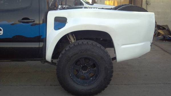 EngageOffRoad 05+ Tacoma Short Bed Fiberglass with TailLight Area Filled