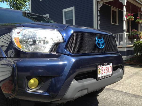 Grillcraft grille with color matched surround and Krylon yellow fogs