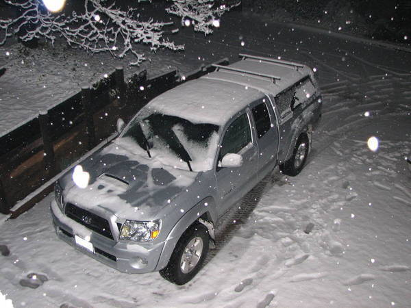 My_truck_in_the_snow