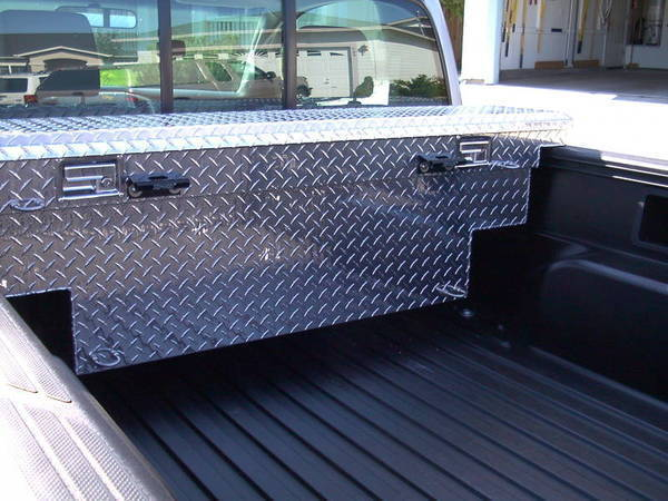 narrow low profile box for a midsize truck