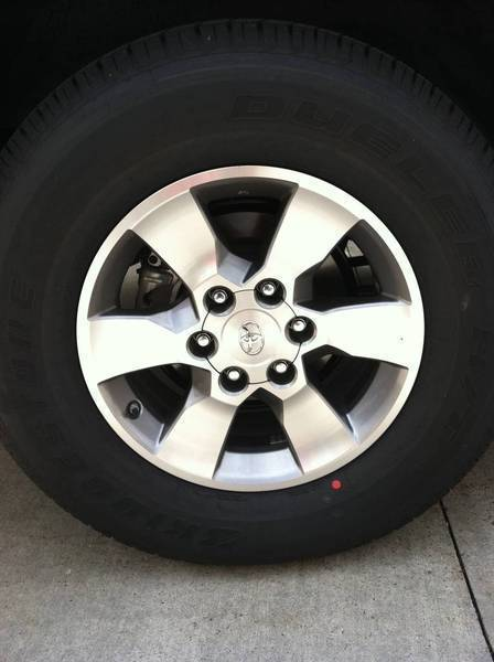 2011 SR5 4runner wheels