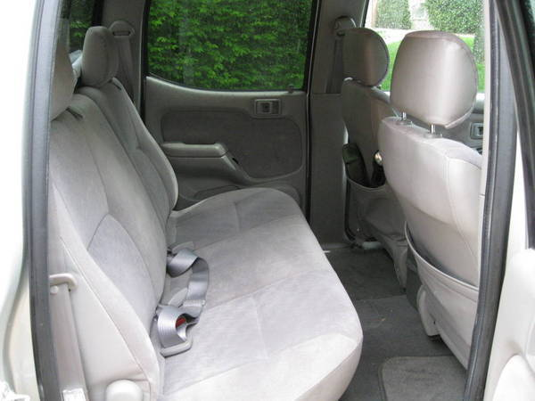 question about rear seat room in 1st gen dc tacoma world. Black Bedroom Furniture Sets. Home Design Ideas
