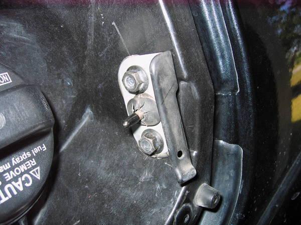 Locking Fuel Door Mod