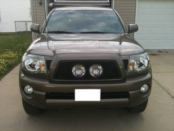 IPF 900 XS lights behind Black Diamond Fab grill