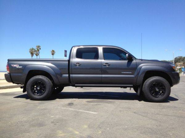 Any One Have A Picture Of A Truck With 3 Inch Lift And 275
