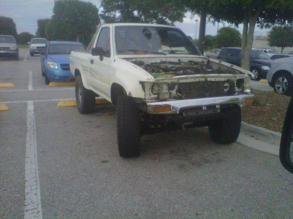 Poor Yota. Look at those headlights!
