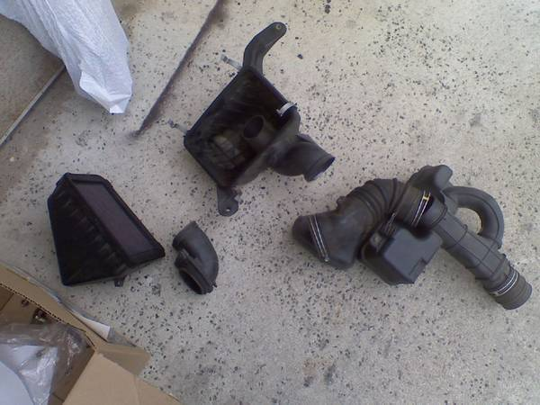 2002 tacoma stock air intake 2.7L 170k with k & N drop in. $25+buyer pa
