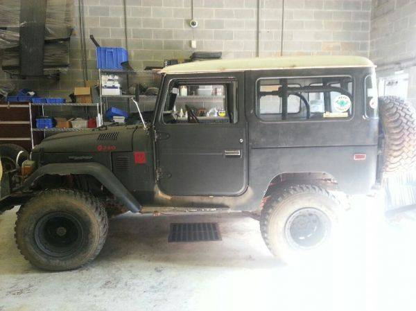 For all you FJ40 lovers ;)