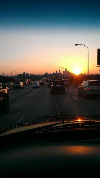 Woot no traffic and nice sunset over the shity