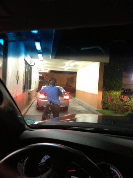 Del Taco drive thru