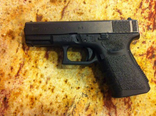 New toy. G19. Already put 200 rounds through it. Did the sand paper myself