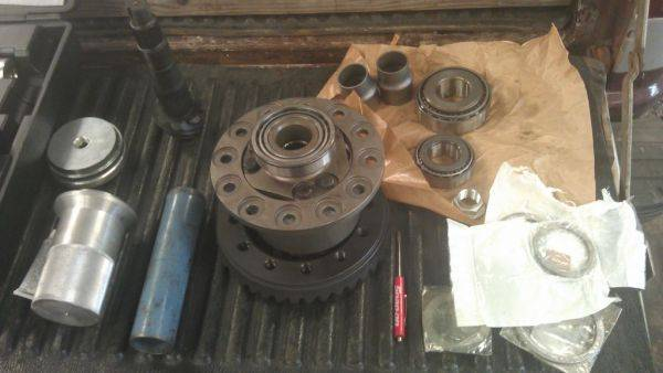 4.88 gears and Detroit trutrac LSD being installed. Installation being done
