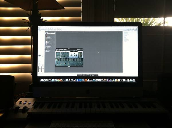 Anyone here know how to use logic pro 9?