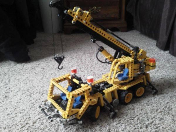 Lego thread