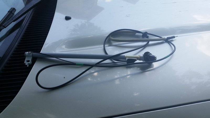 Replacing the power antenna with whip antenna **Picture